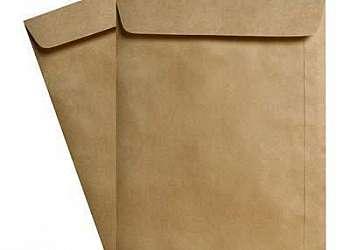 Envelope com papel kraft